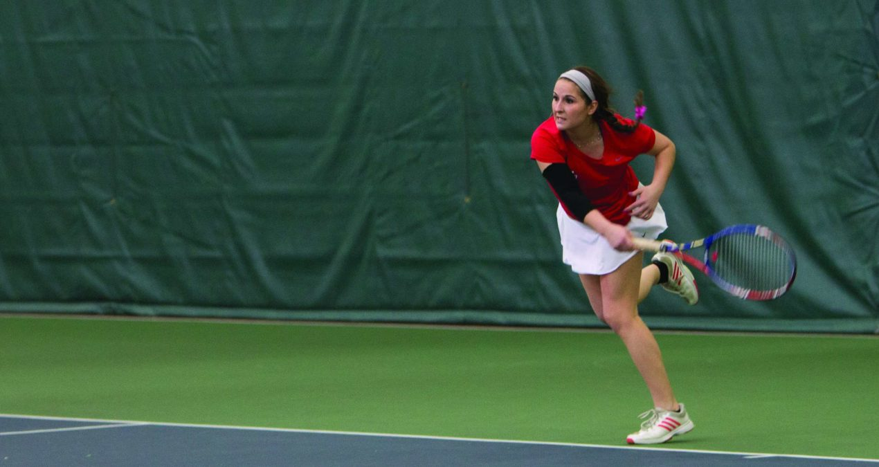 Women's tennis wins two in a row, beating #16 Whitman