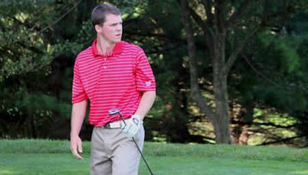 "Men's golf places third during spring break, becomes ""closer as a team"""