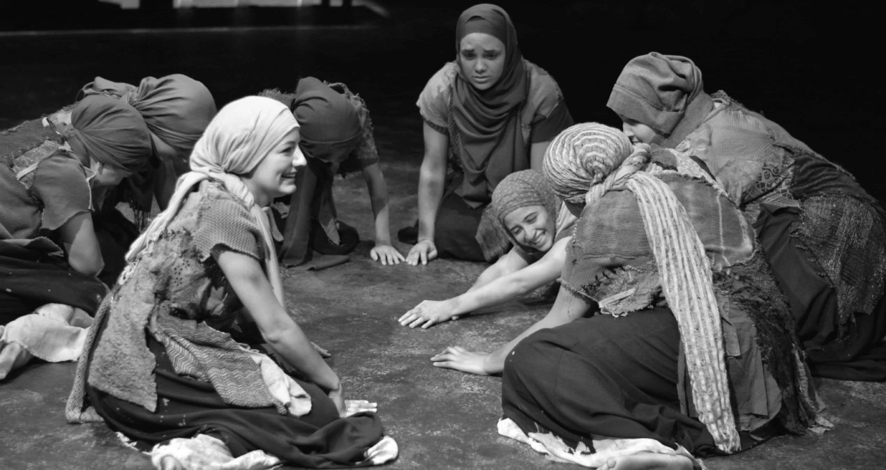 Trojan Women uses black box to emote tragedy