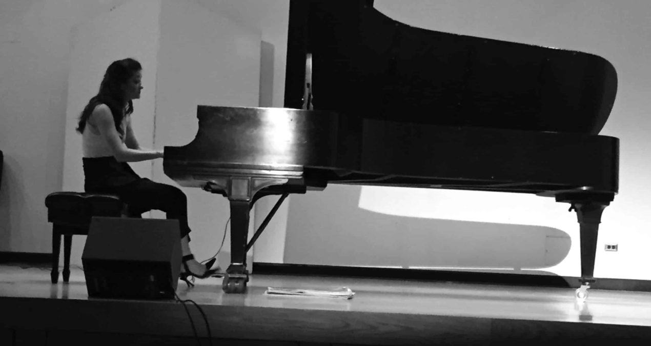 Pianist combines classical and modern melodies