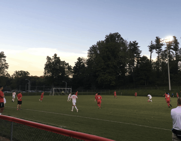 Men's soccer struggles early this season