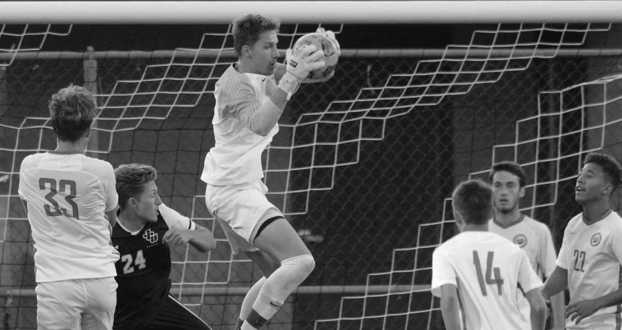 Men's soccer earns senior day win, finishes on high note